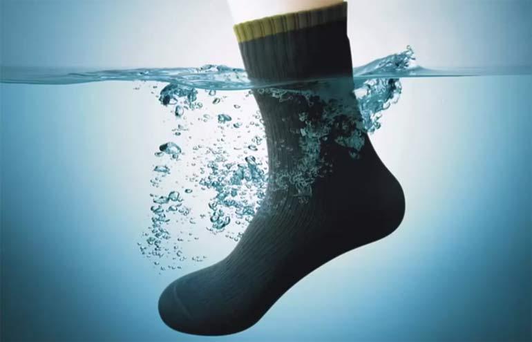 Мембранный носок в воде