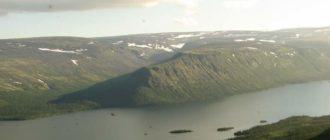Вид на Сейдозеро и долину ручья Чивруай с горы Куйвчорр