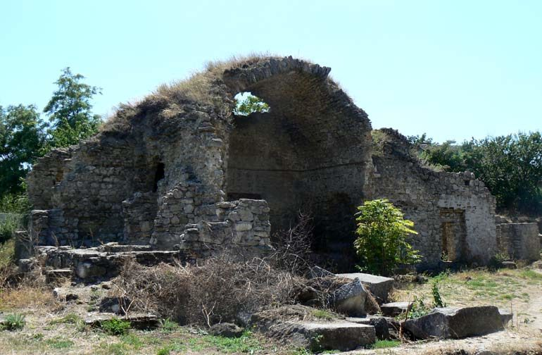 Руины медрессе в Старом Крыму